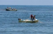 صيادين في بحر غزة.jpeg