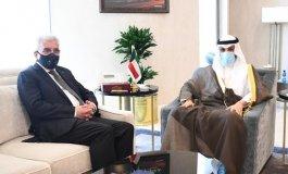 مرزوق الغانم وسفير فلسطين في الكويت.jpg